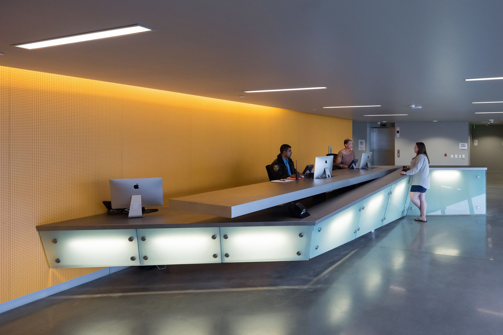 Gallery of emerson college los angeles morphosis - Interior design colleges in los angeles ...
