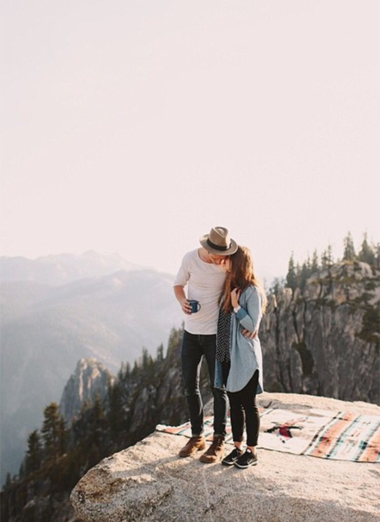 18 beautiful romantic couple photo ideas #engagementphoto #engaged #photoshoot #couple,couple photo,engagement photo shoot,engagement photo ideas