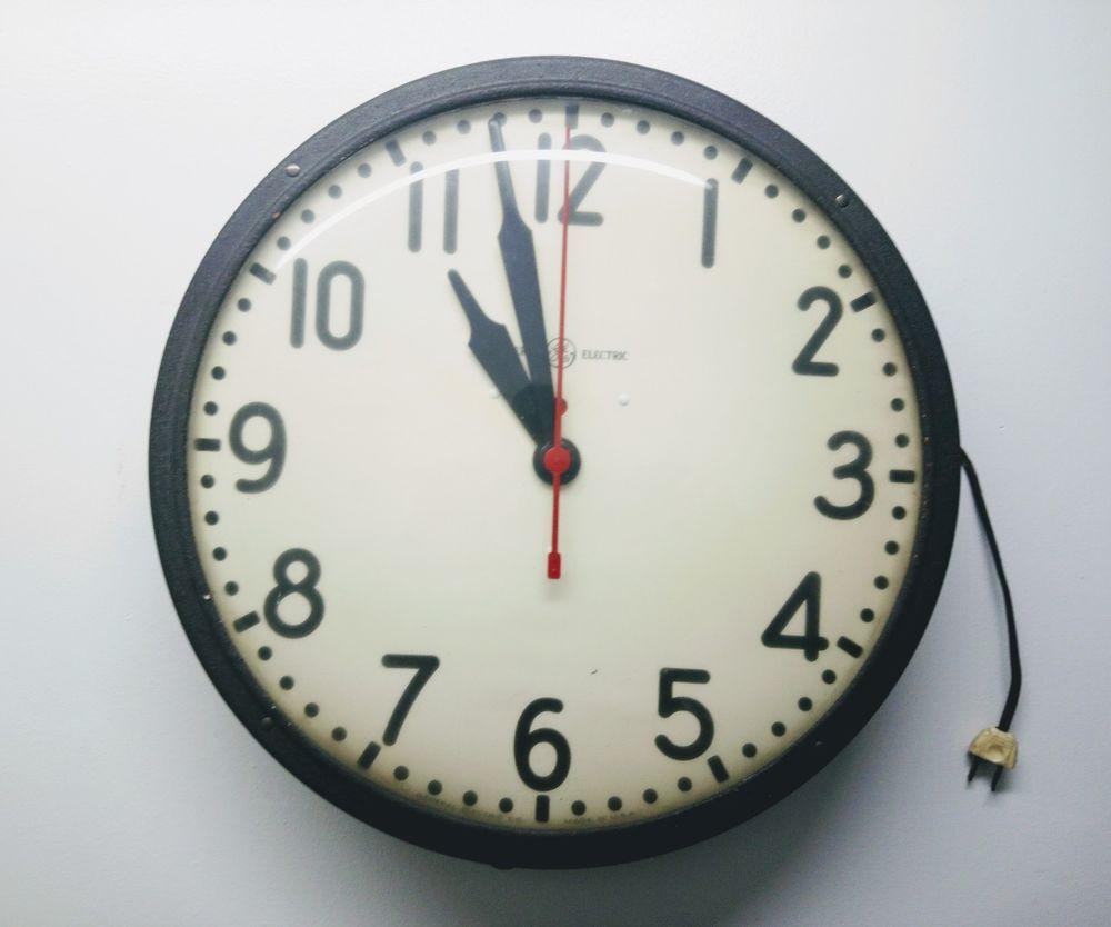 Vintage GE General Electric School House Industrial Wall Clock