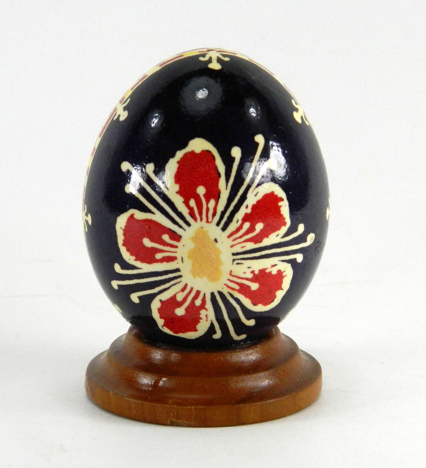 Polish Pysanky Egg Hand Painted Decorated Vintage Easter Blown Out Chicken Egg 20715 by JacksonsMarket on Etsy