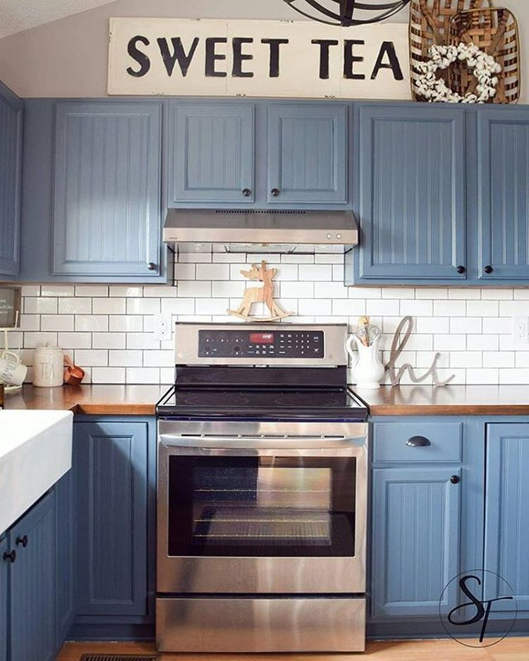 I Spy Our Embossed Sweet Tea Sign Above These Gorgeous Blue Kitchen Cabinets Thanks For Sharing Homedecor