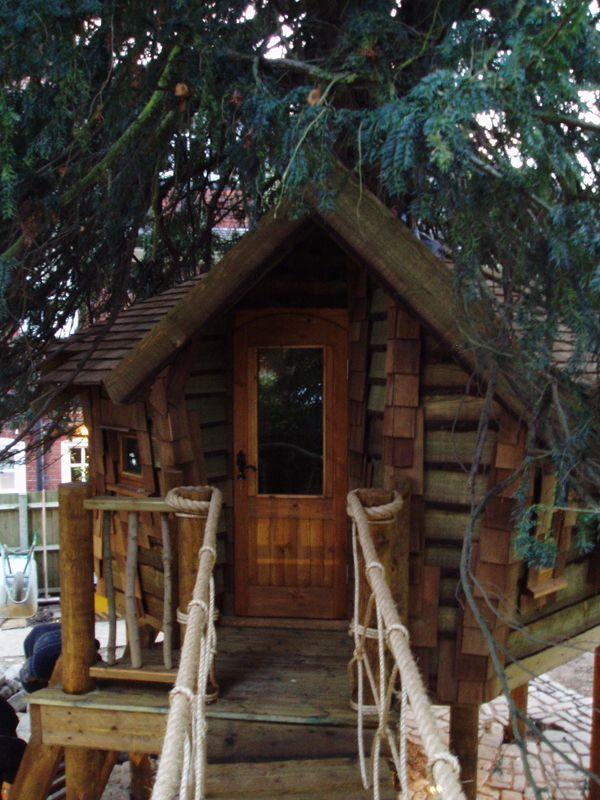 Rustic fairytale treehouse | Tree house plans, Cool tree ...