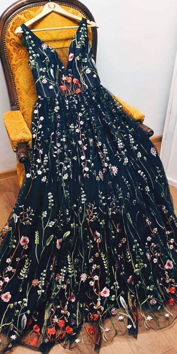 Beautiful Embroidery Floral V-Neck Long Prom Evening Dress ML760