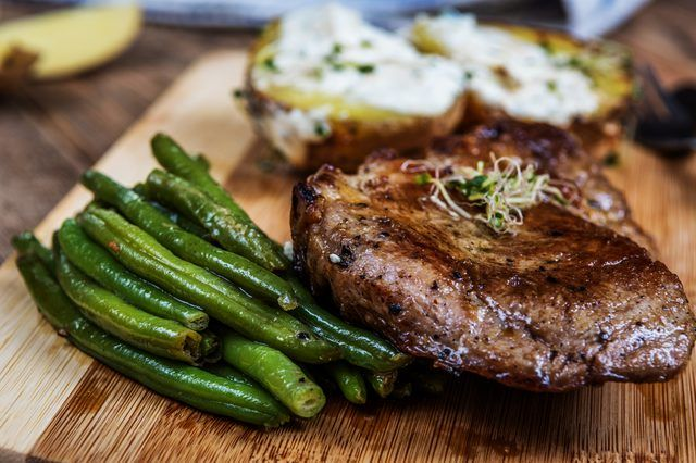 How to Roast a Beef Tenderloin in the Oven | Livestrong.com