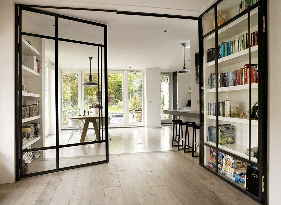 Glazen Scheidingswand Woonkamer Glass Room Divider Doubles As Display Case I N T E R I O R S