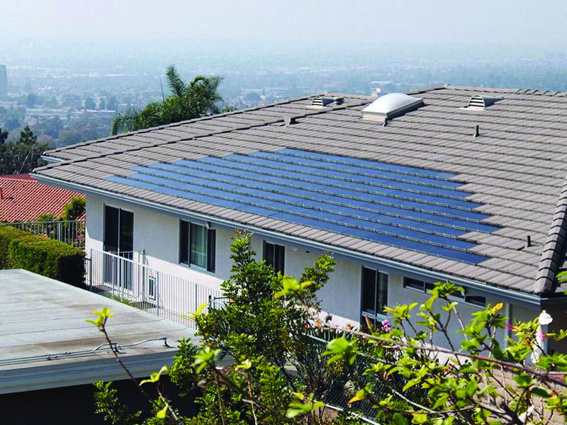 Conveniences And Drawbacks Of Solar Roof Tiles That You Need To Understand About Homes Tre Residential Solar Solar Shingles Solar Tiles
