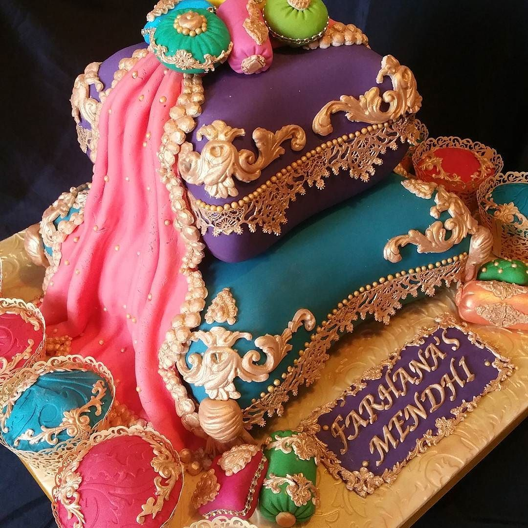 Mendhi Cake And Matching Cupcakes To Go With Bride S Outfit By Yume