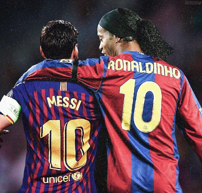 Messi Ronaldinho Ronaldinho Gaucho Messi Wallpaper De Futebol