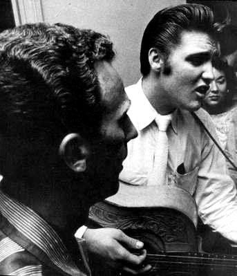 Elvis in Jacksonville in august 10 1956 with friends and fans.