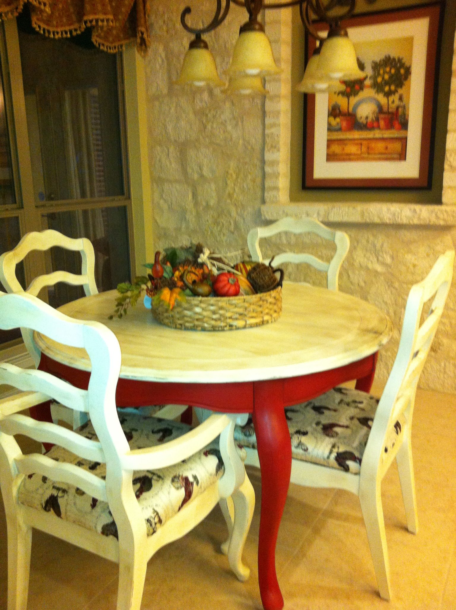 Two Tone Table Legs Give A Fantastic Color Pop Painted Table Kitchen Table Wood Furniture