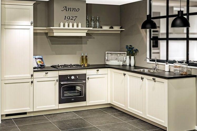 Witte landelijke keuken google zoeken kitchen dining pinterest kitchens kitchen - Sofa landelijke stijl stijlvol ...