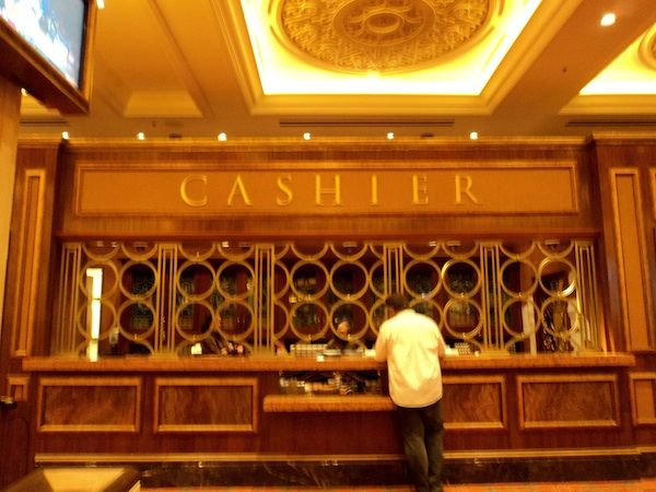Cage cashier