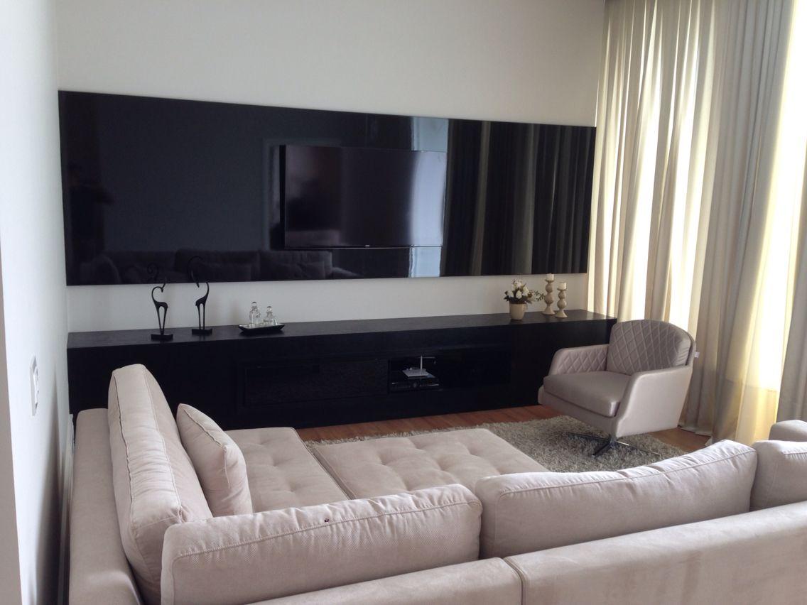 Sala de TV, painel alto brilho
