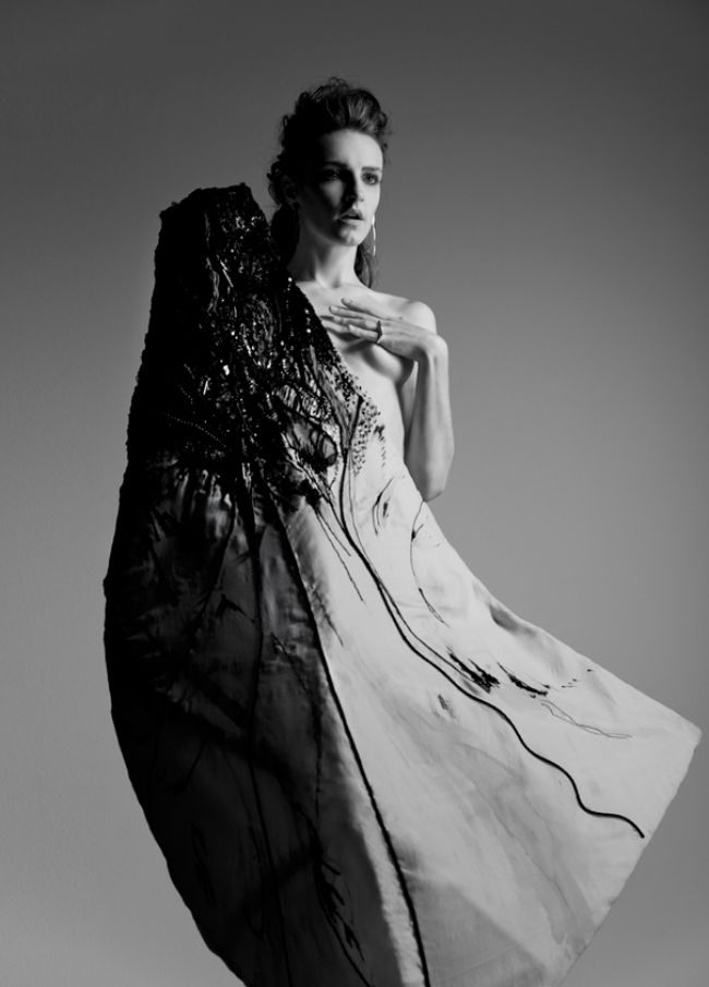 Artistic Fashion - deconstructed dress with embroidered textures & sculptural silhouette // Ph. Timothy K. Opus 2