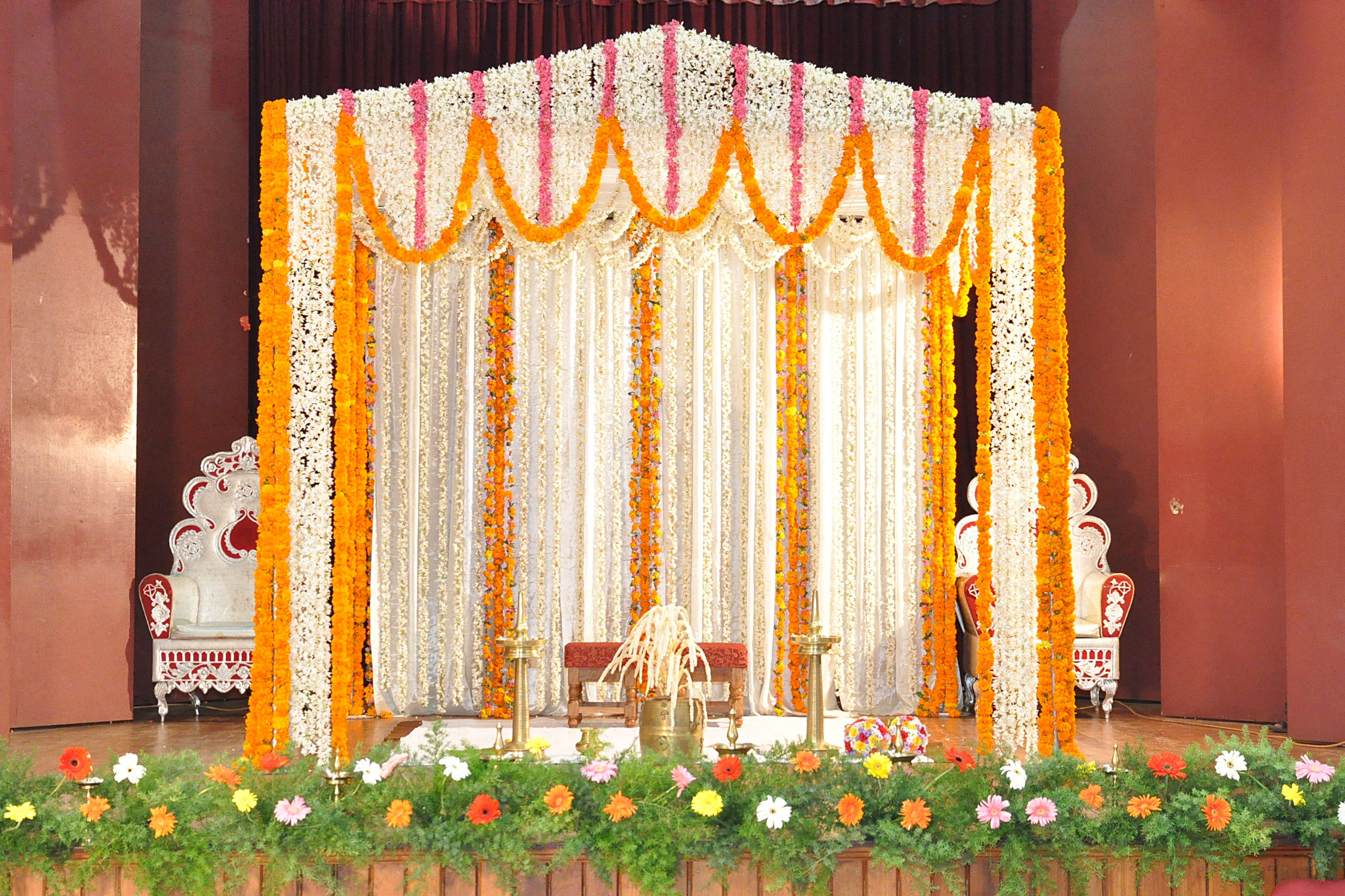 Wedding Stage Decoration With Flowers Places To Visit In