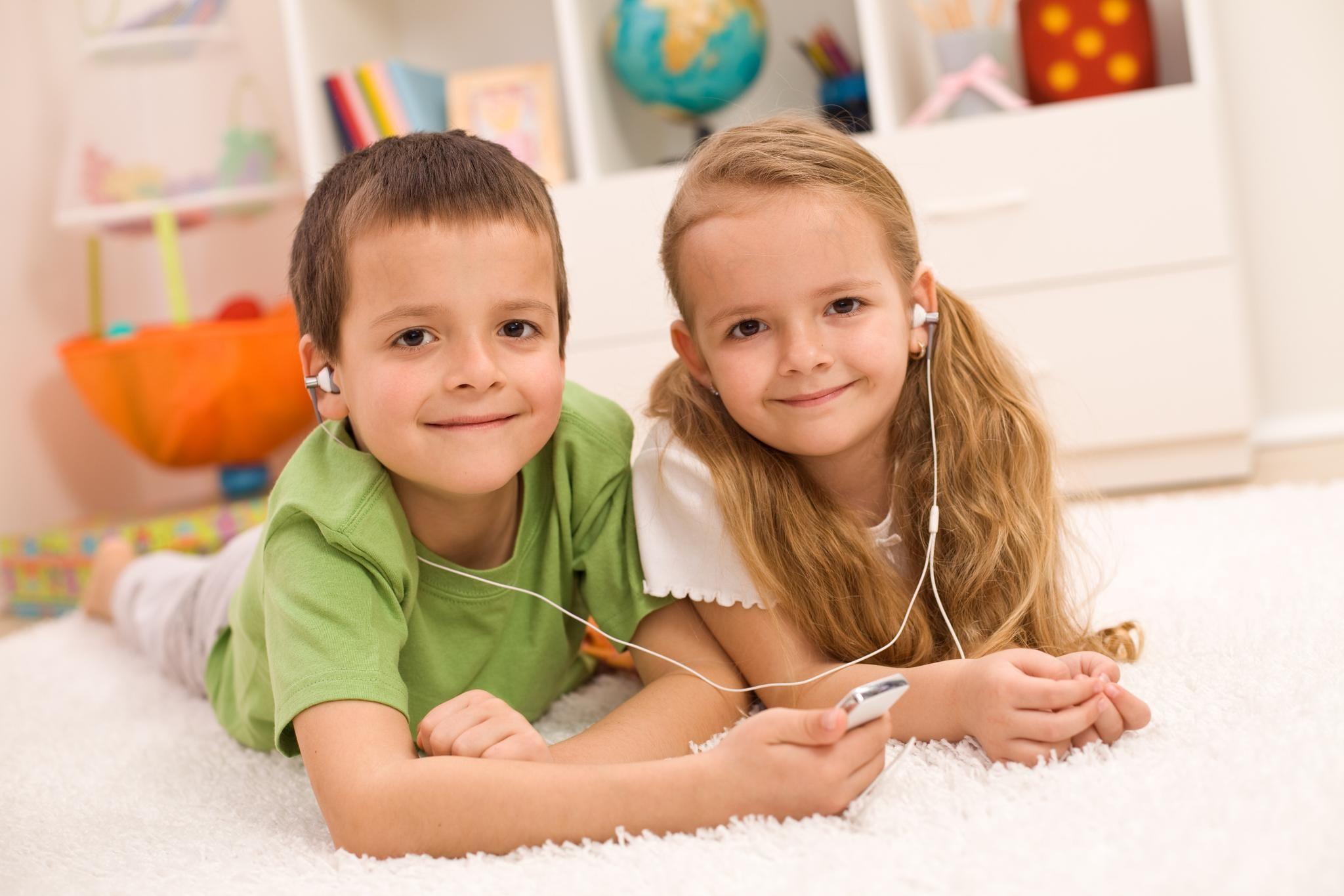 How long should boy/girl twins share a room? | Twins, Boy ...
