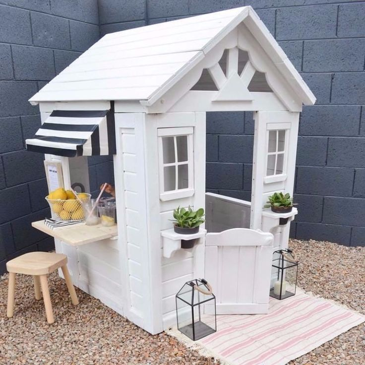Find out how to turn a cheap kmart cubby into the play house of your children 39 s dreams with our for Billiges gartenhaus