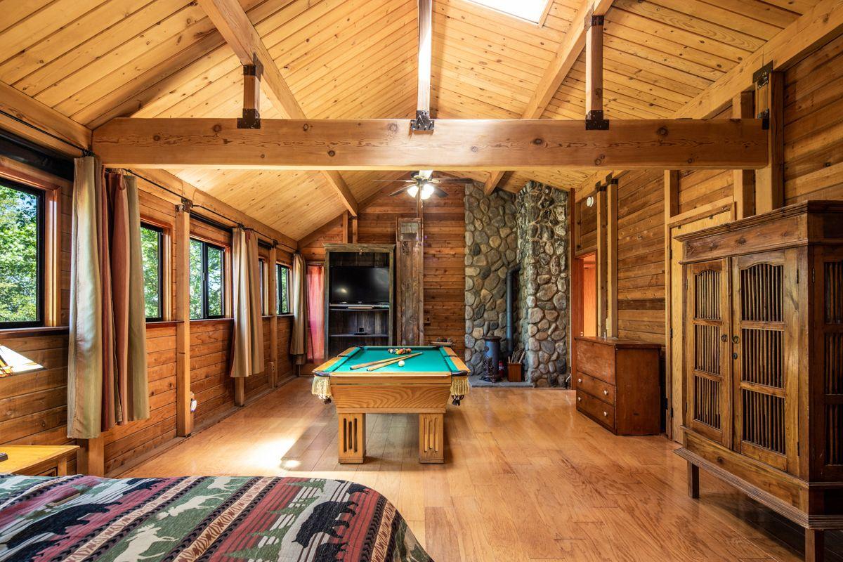 937 Toyon Mountain Lane Julian Ca 92036 Luxury Real Estate Estate Homes Fireplace Frame