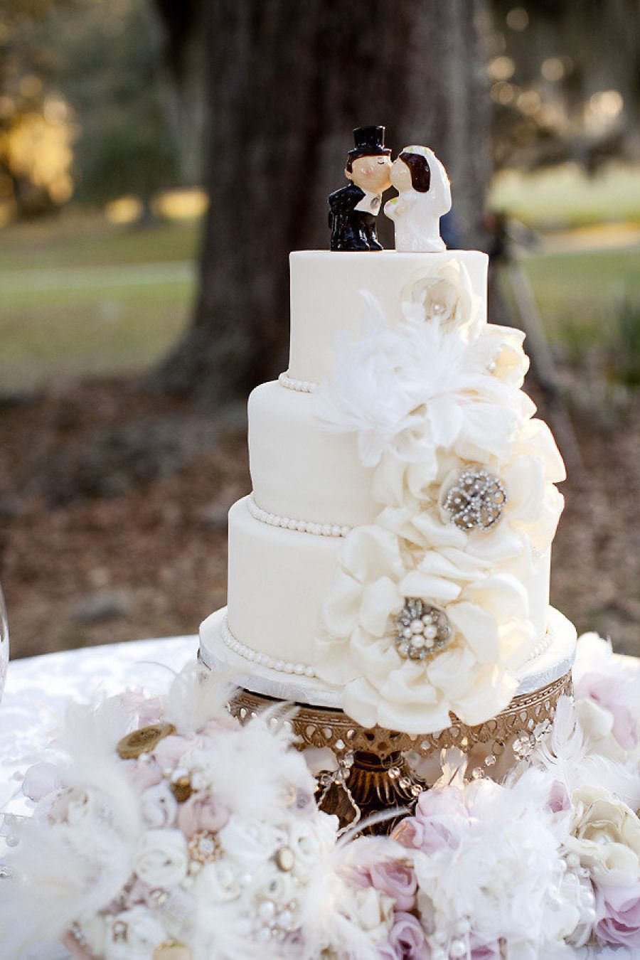 28 Creative and Inspirational Wedding Cakes | Pinterest ...