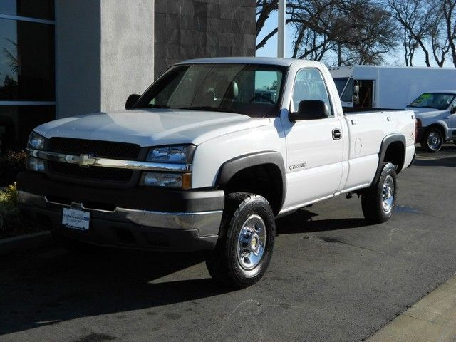 2003 Chevrolet Silverado 2500HD 4x4 ~ 5 Speed Manual Transmission