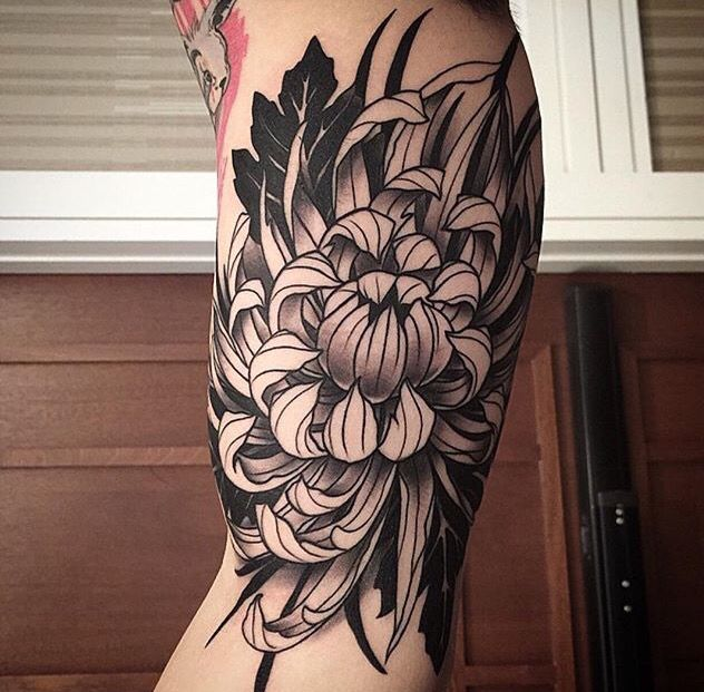 Pin By Danni Lee On Tattoos Chrysanthemum Tattoo Mum Tattoo Body Art Tattoos