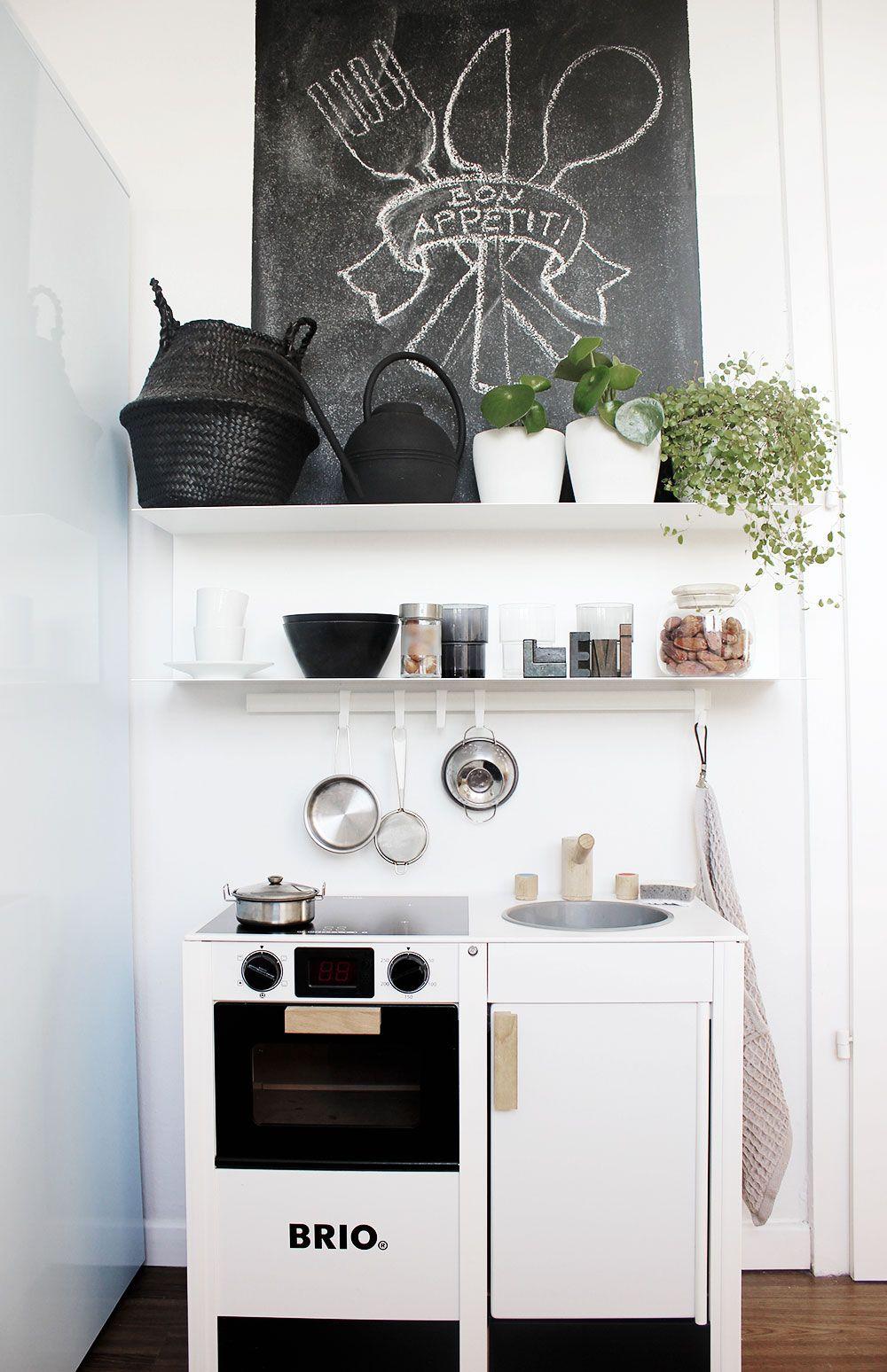 eine k che in der k che unsere coole spielk che von brio for the home pinterest room. Black Bedroom Furniture Sets. Home Design Ideas