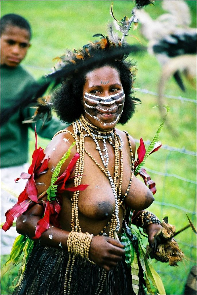 papua-new-guinea-naked