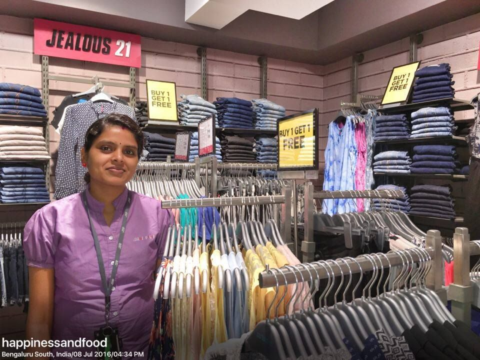 #WomenAtWork - A saleswoman