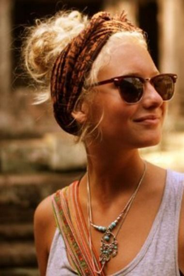 love everything, the headband, messy bun, turquoise jewelry, and those glassesss