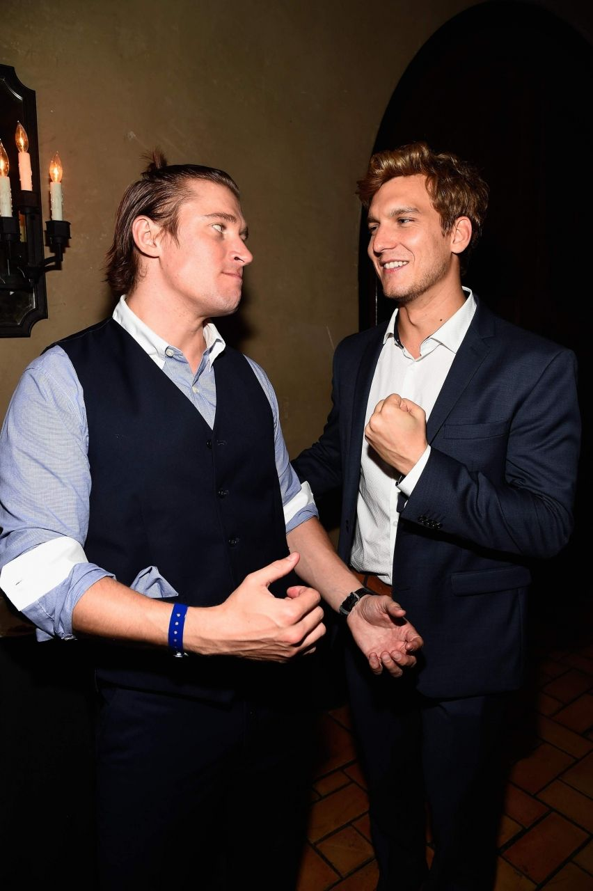 Tyler Jacob Moore and Scott Michael Foster attend the ... Скотт Майкл Фостер