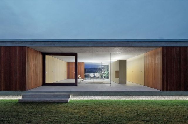 minimalistisches haus beton holz landschaftsbau terrasse ...