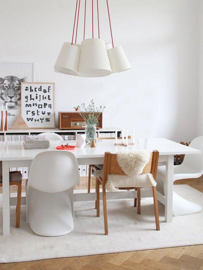 Ein gutes Beispiel für ein schlichtes aber modernes Esszimmer - Esszimmer Modern Weiss