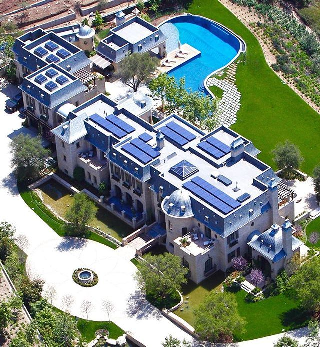 This Is Dr Dre S 14 000 Square Foot Stone Mansion In Brentwood