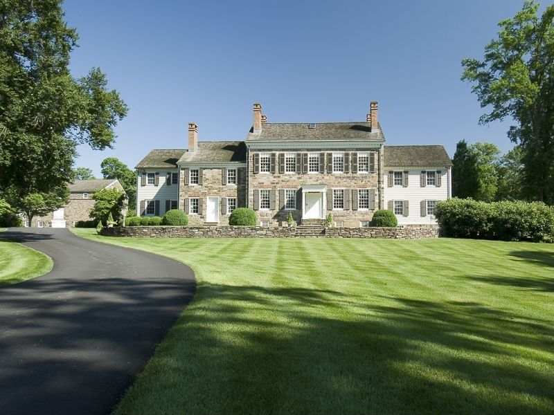 13 Homes From The 13 Colonies Zillow Blog Historic Homes Mansions Colonial House