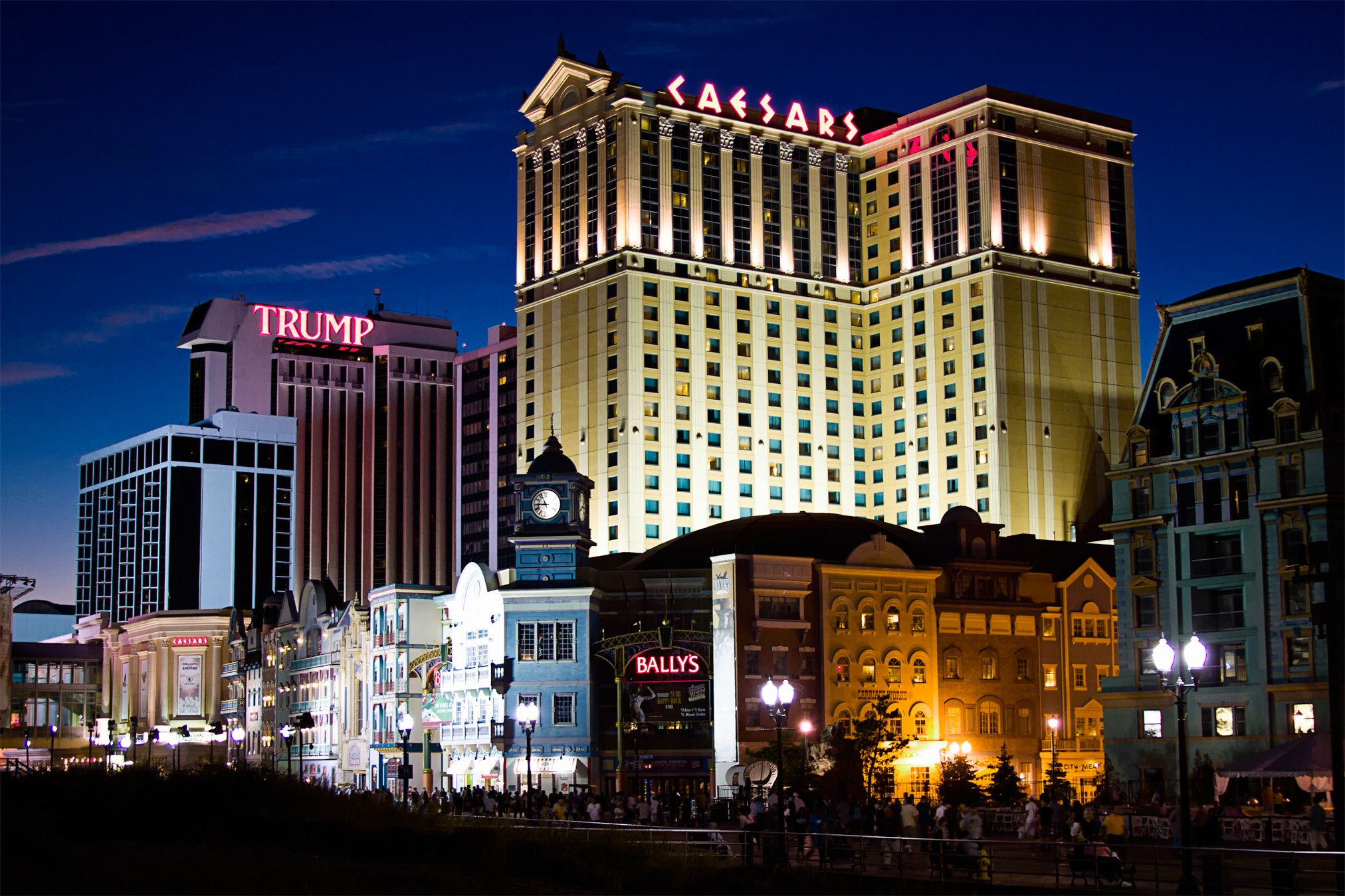 A Beginner S Guide To Atlantic City Nightlife And Drinks Where To Go And What To Drink Atlantic City Nightlife Atlantic City Vacation Atlantic City