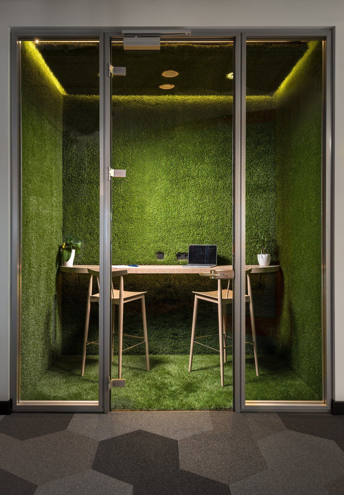 office greenery. Moss Meeting Spaces Take Office Greenery To A New Level At ECommPay Offices