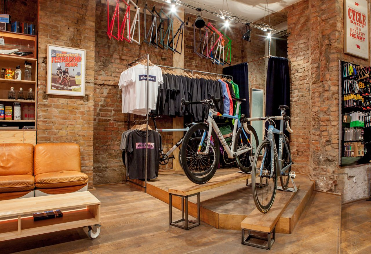Standert bicycles shop caf photos by constantin gerlach for Negozi industrial