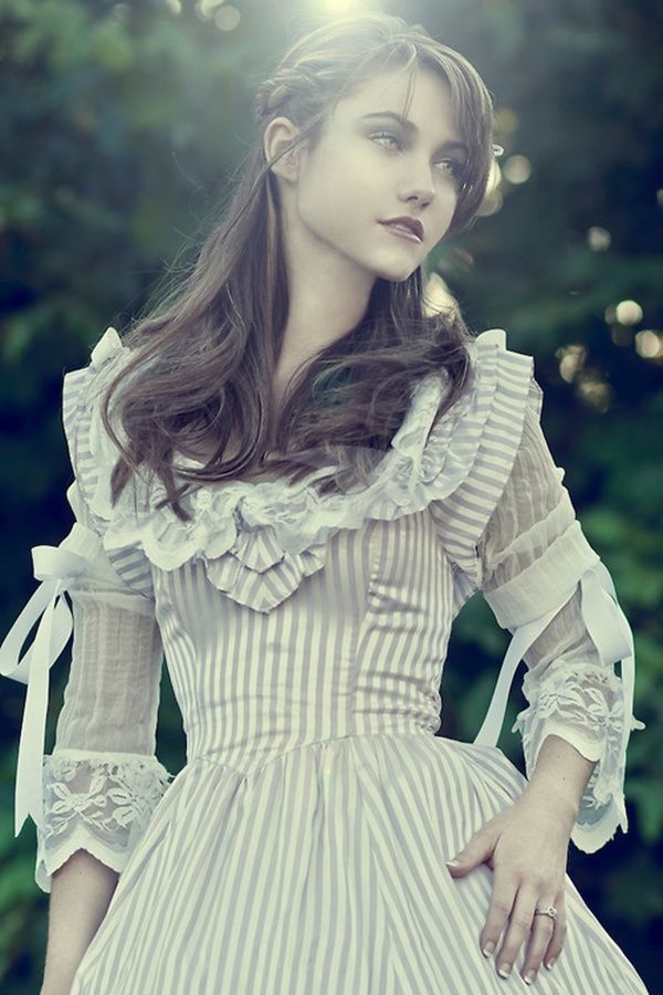 25 Beautiful Girls Wearing Victorian Era Dresses | Fashion ...