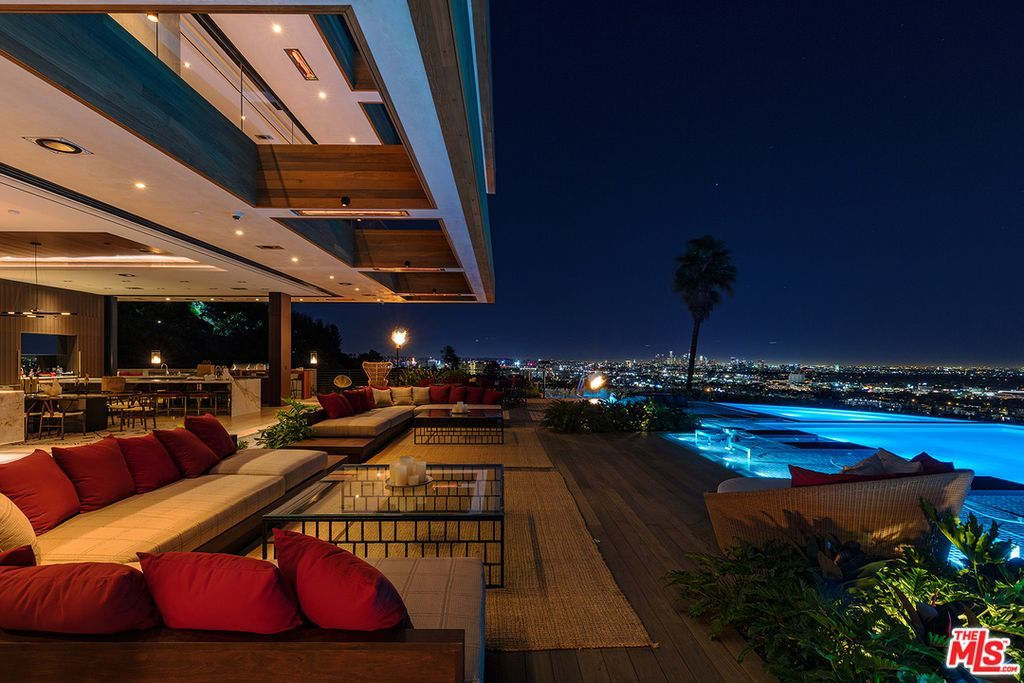 Magnificent Zillow Has 326 Homes For Sale In Hollywood Hills Los Angeles Home Interior And Landscaping Synyenasavecom