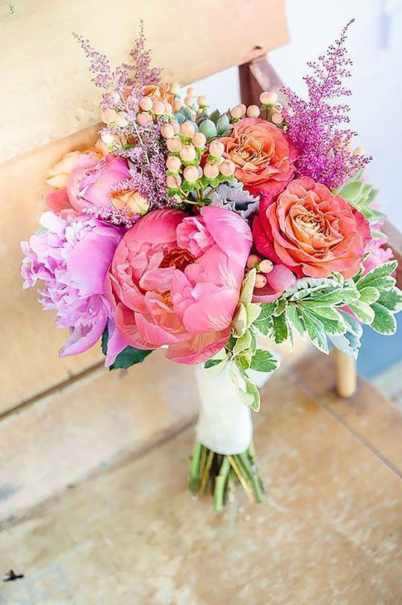 50 Zjawiskowych Bukietow Slubnych Z Piwonii Colorful Bridal Bouquet Summer Wedding Bouquets Bridal Bouquet