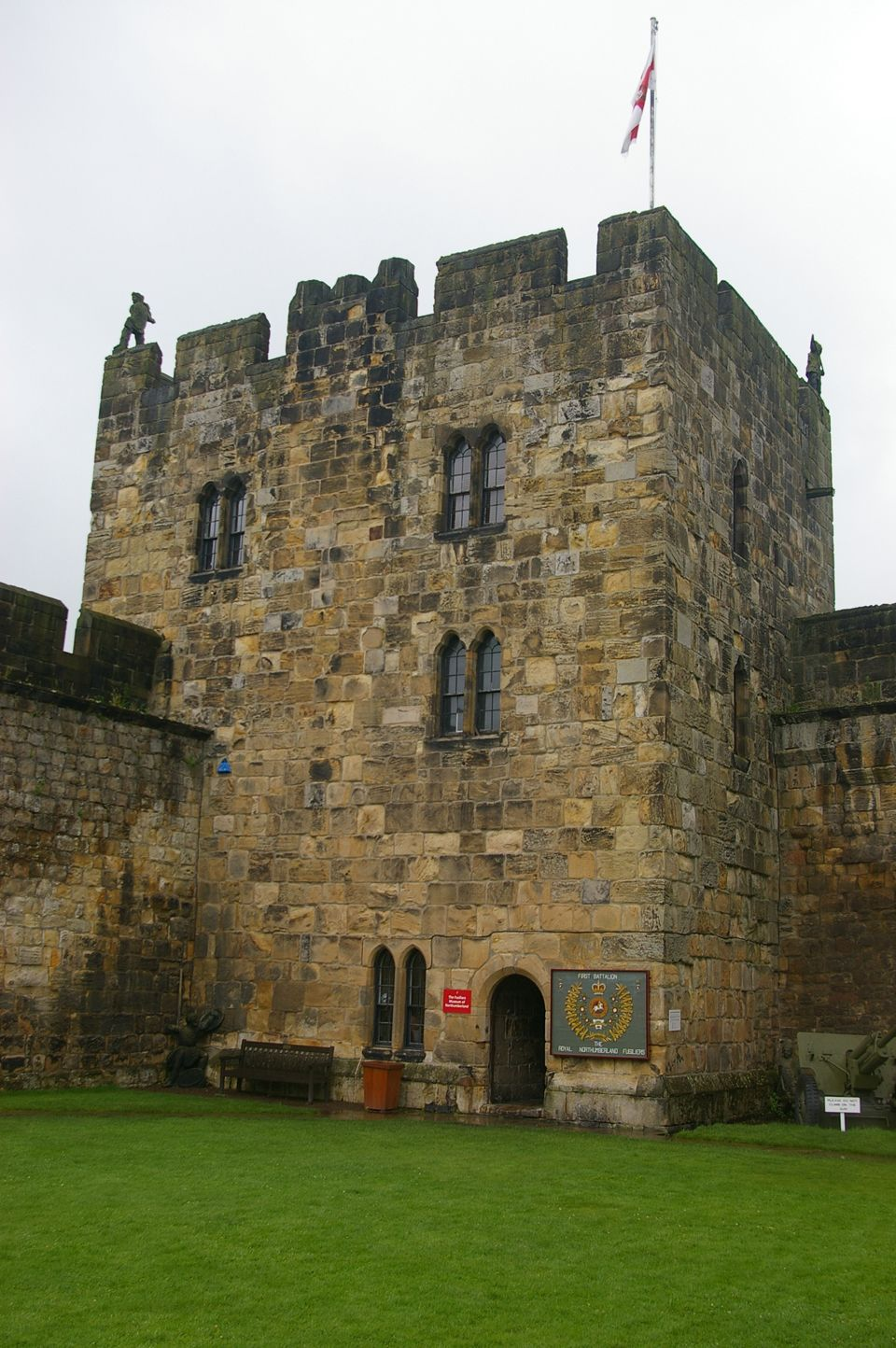 Alnwick Castle. Abbot\'s Tower (960×1444) | Architecture | Pinterest ...