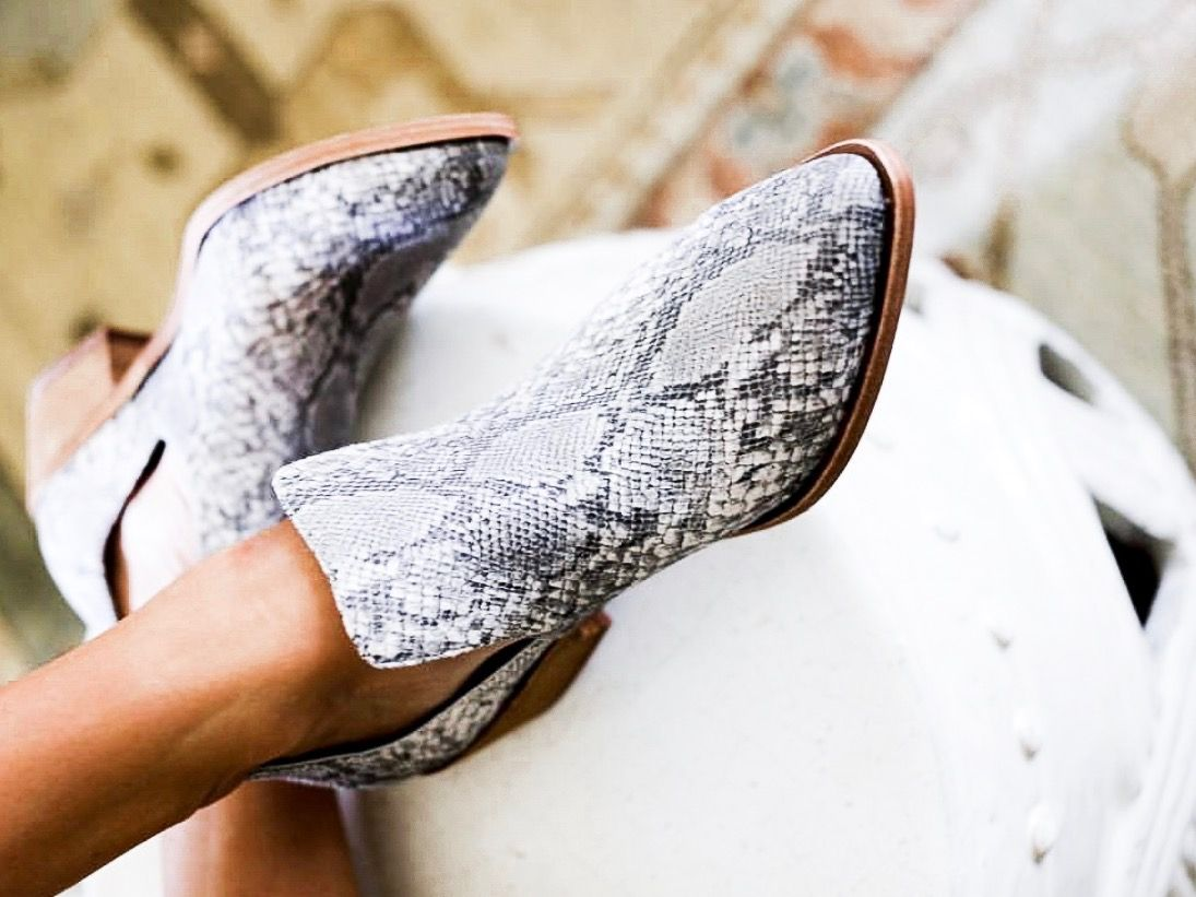 6f443035ae7 Chinese Laundry - Focus - White Snake in 2019 | SHOES | Snake skin ...