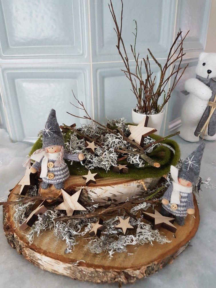 Holz mit Wichtel und Islandmoos #adventskranzaufbaumscheibe