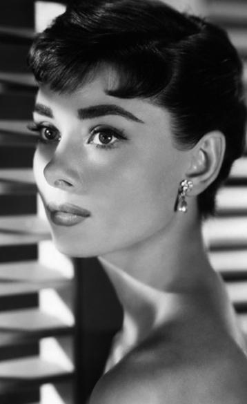 Audrey Hepburn Audrey hepburn, Vieux hollywood et Style