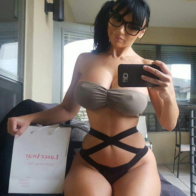 Pics Of Thick Latinas