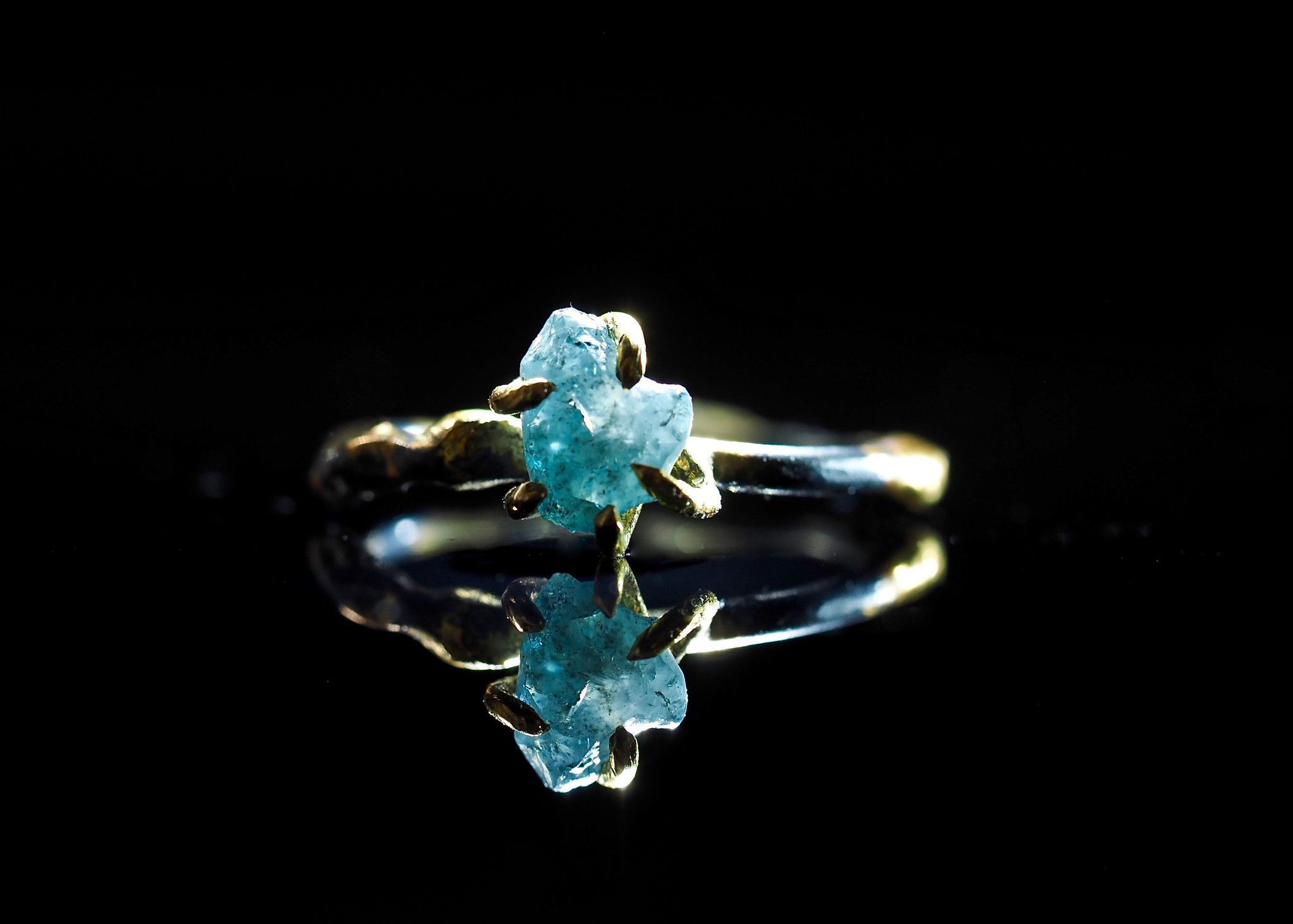 Raw Natural Uncut Conflict Free Blue Diamond in 18k Gold and