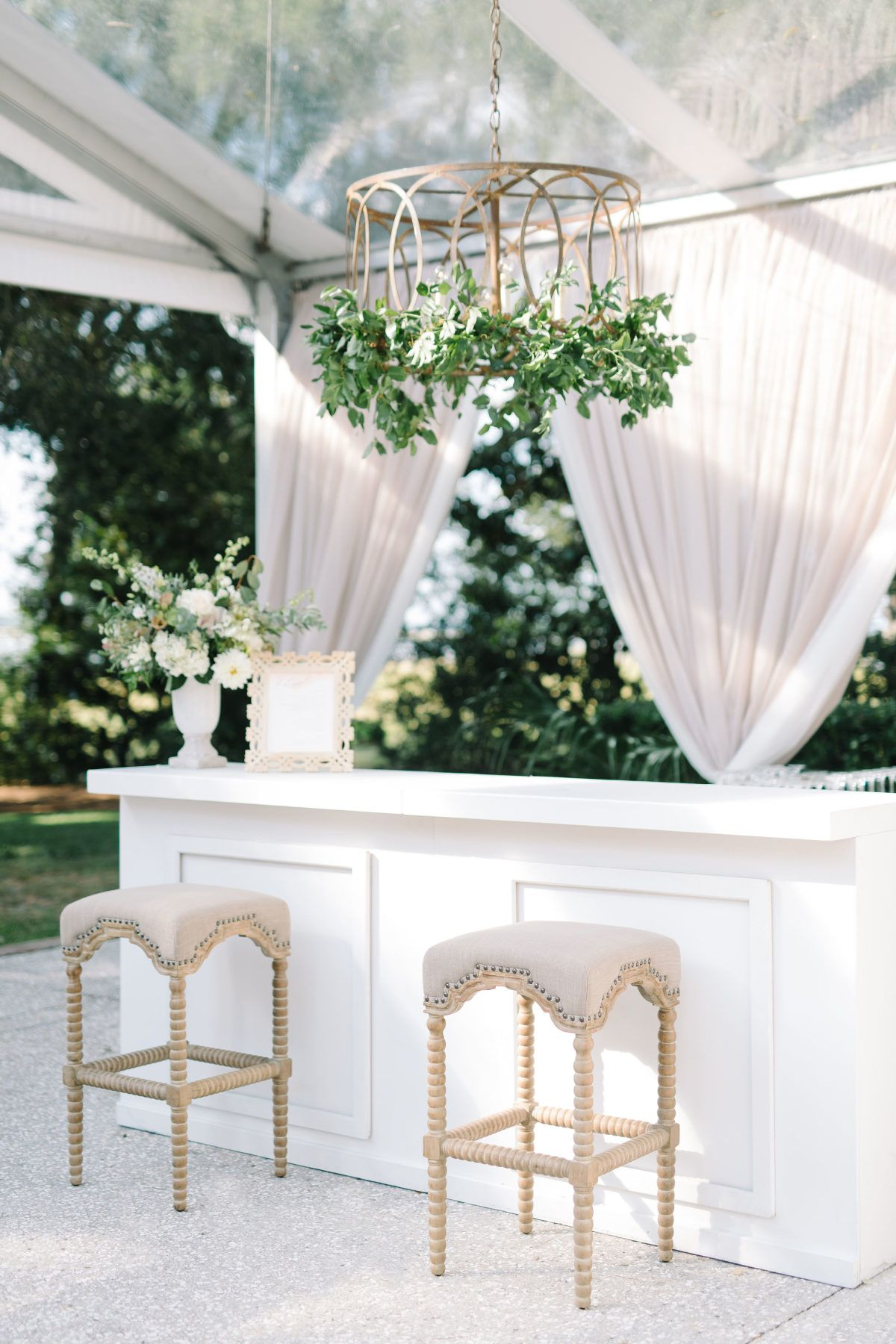 Southern Charm Meets Romantic Glam with This