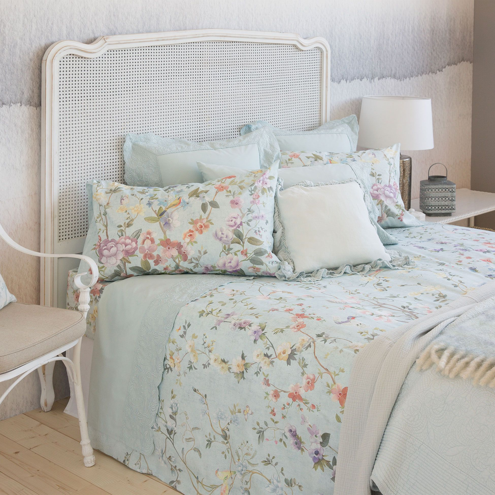floral print bedding bedding bedroom zara home united states dise o de interiores. Black Bedroom Furniture Sets. Home Design Ideas
