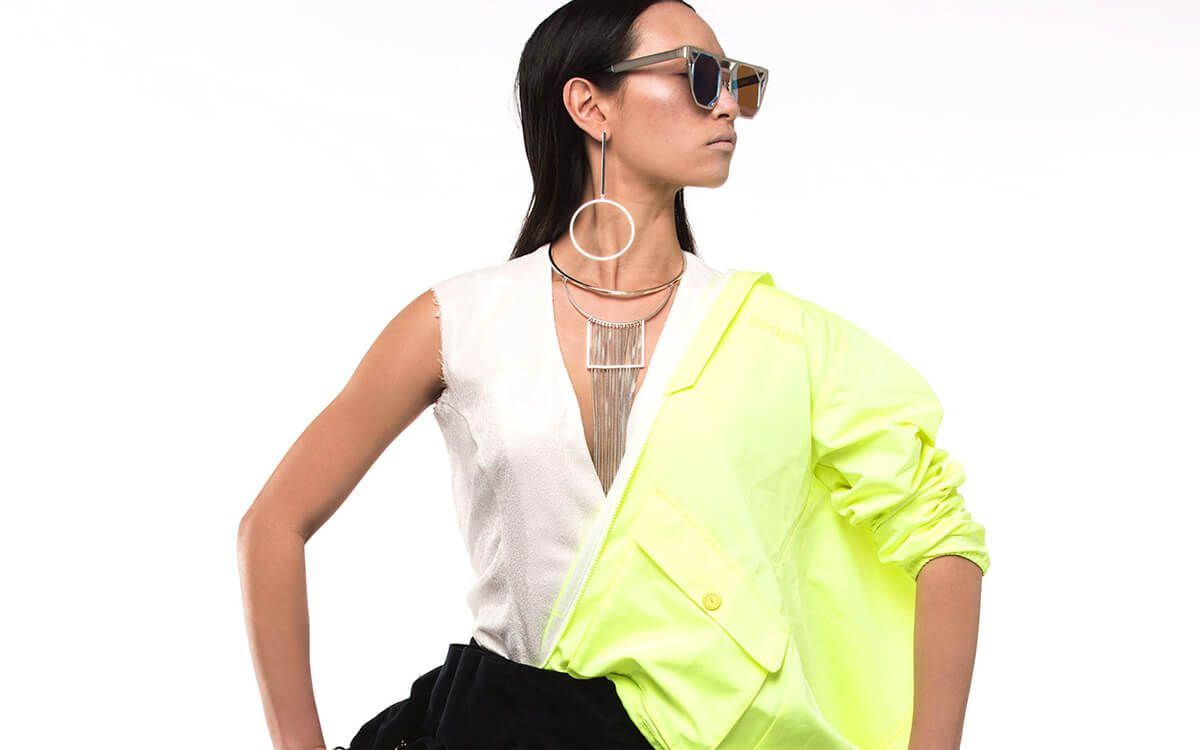 Marie Héléne models Notoys