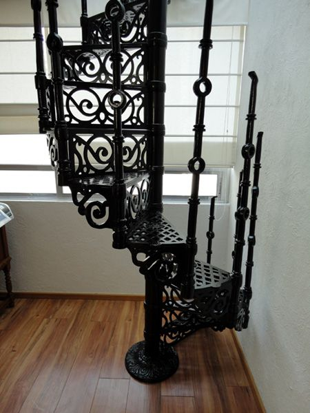 Escalera de hierro forjado para interior balcones - Escaleras hierro forjado ...